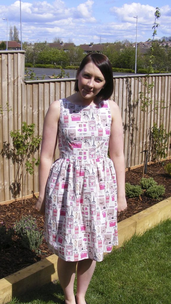 almond rock dressmaking vogue 1102 myfabrics