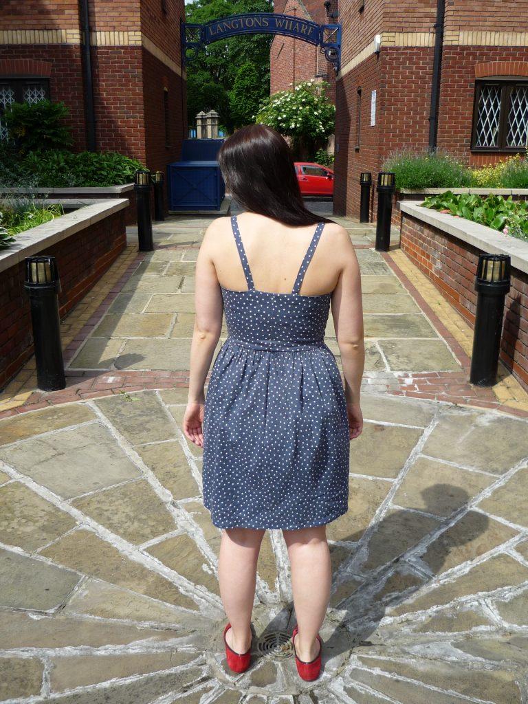 almond rock mccalls 6833 denim star print dress